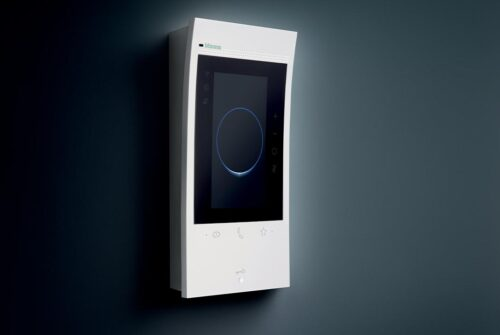 BTicino Classe 300EOS: il videocitofono smart con Alexa